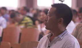 河南省方城县杨楼镇第一中心小学:郭春鹏
